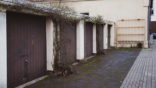 Garage, Autos, Big City, Hanover