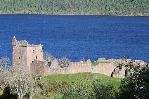 Urquhart Castle, Scotland, Ruins