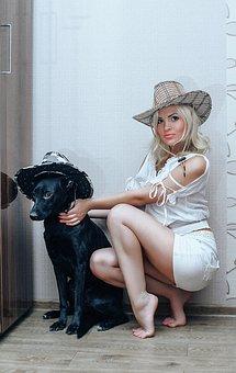 Beautiful Blonde, In The Style Of Tarantino, Hat