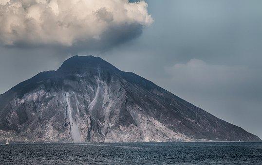 Stromboli, Volcano, The Volcano Stromboli, Italy