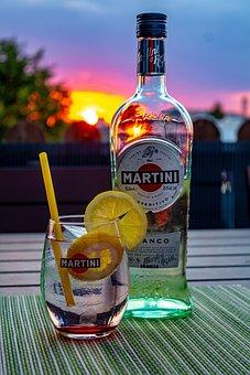 Martini, Bianco, Bitter Lemon, Tonic Water, Alcohol
