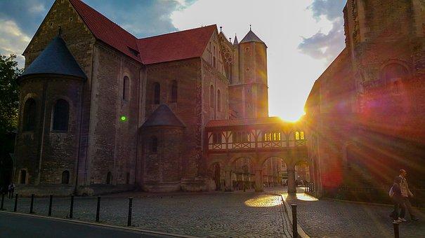 Braunschweig, Castle Square, Downtown, Castle Lion
