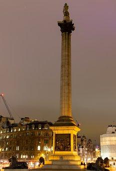 Nelsons Column, Trafalgar Square, London