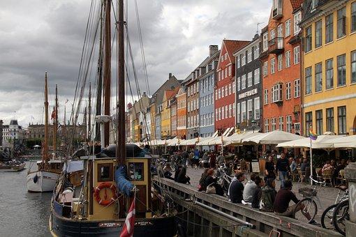 Nyhavn, Canal, Copenhagen, Denmark