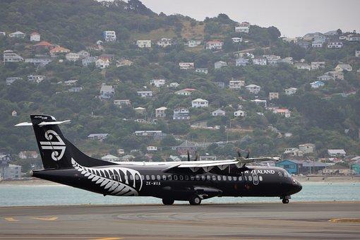 Air New Zealand, Atr 72-600, Zk-mva, Windy, Landing