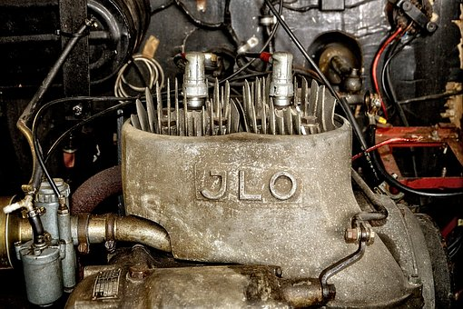 Motor, Two Takter, Two Cylinders, Old, Historically