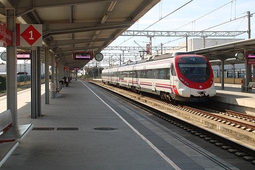 The Port Of Santa Maria, Andenes, Platform, Trains