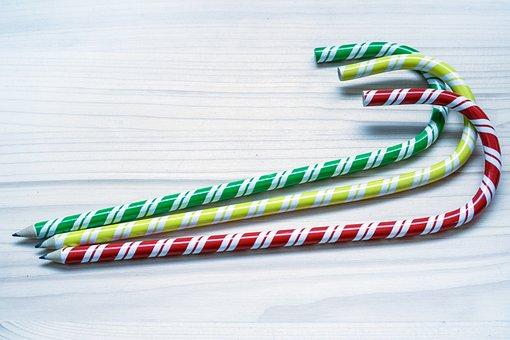 Pencils, Macro, Red, Green, Yellow, Bent, Pen, Draw