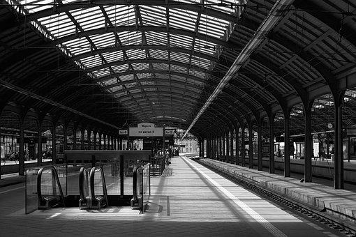 Pkp, Wrocław, Railway Station, Peron, Black And White