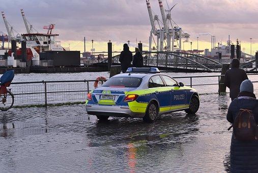 Police, Fischmarkt, Sturmflut, überschwemmung, Hamburg