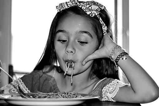 Pasta, Squint, Ladle, Fun, Girl, Little Girl Table, Eat