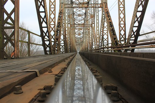 Tracks, Railway Bridge, Architecture