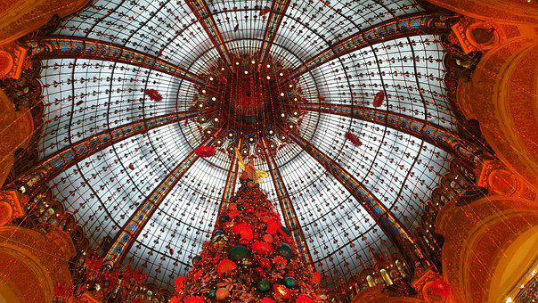 Christmas, Lafayette, Paris, France