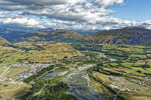 New Zealand, Shot Over River, River