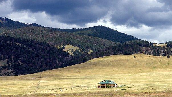 Montana, Country House, Dark Sky, Golden Fields