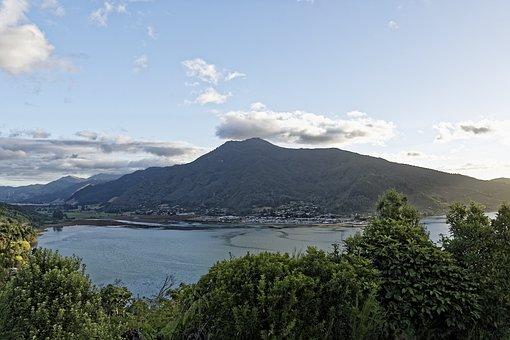 New Zealand, Cullen Point, Wakaraitu Bay