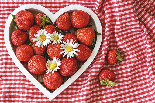 Strawberries, Ripe, Heart, By Heart, Daisies