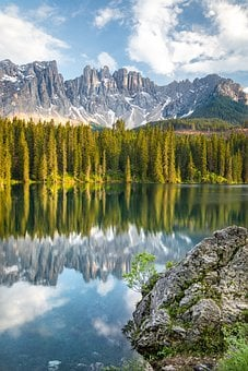 Italy, Karersee, Lago Di Carezza, Dolomites, Bergsee