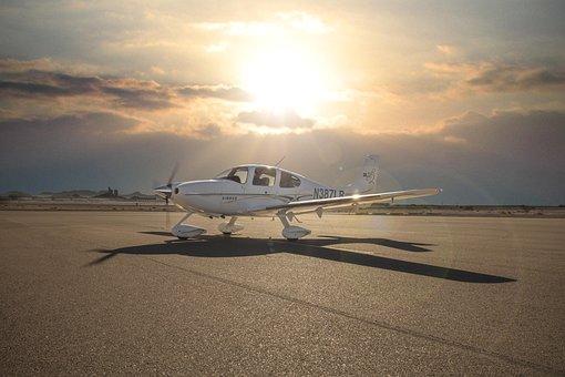 Airplane, Cirrus, Ground, Prop Turning, Clouds