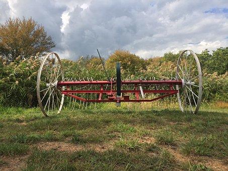 Vintage Farm Equipment, 1776, Revolutionary War