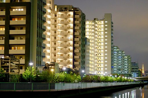 Home Town, Riverside, Tokyo, Residents