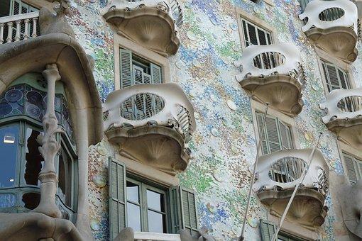 Casa Batllo, Barcelona, Spain, Gaudi, Antonio Gaudí