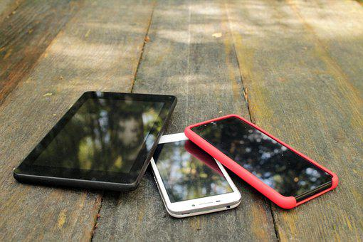 Gadgets, Spring, Bright, Desk, Wooden, Phone