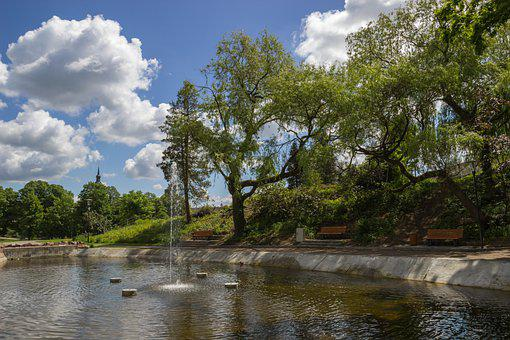 Citizen Garden, Fountain, Park, Templin