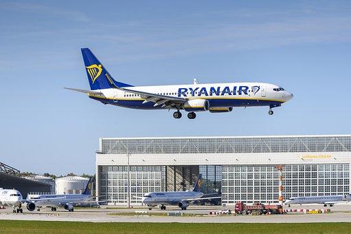 Ryanair, Boeing, Boeing 737-800, Egg-fzk, Airport