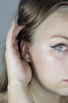 Woman, Eyeliner, Eye, Green, Hand, Hair, Brown