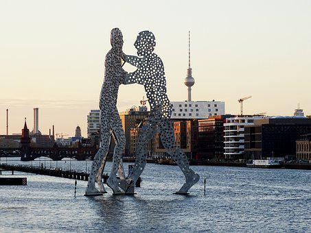 Berlin, Spree, Molecule Man, Tv Tower, Abendstimmung
