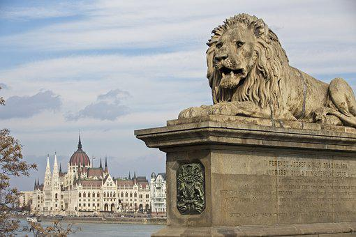 Parliament, Budapest, Lion, Architecture, Sky, Bridge