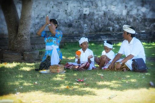 Family, Father, Mother, Children, Bali, Prayer, Pray