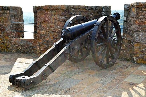 Cannon, Mont Orgueil Castle, Gorey, Jersey