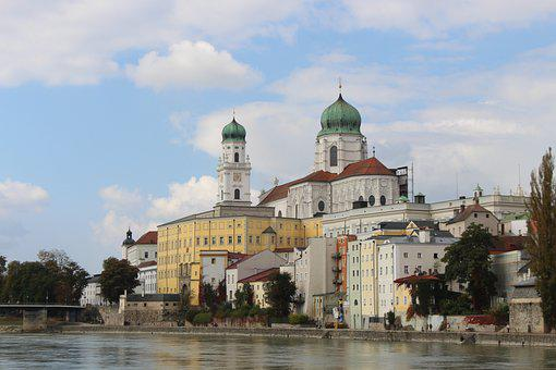 Passau, River, Historic Center, City, Church, Inn
