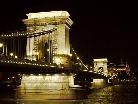 Chain-bridge, At Night, Danube, Budapest, Hungary, Tour