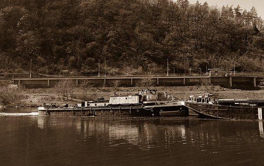 Tugboat, Tug Boat, Vltava, Ship, River, Water