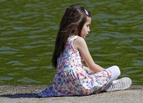 Child, Girlie, Seated, Mal, Lake, Water, Enjoying