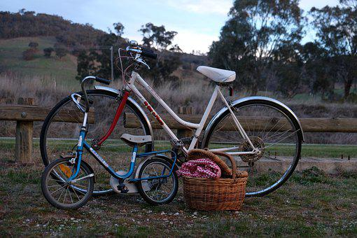 Child Bike, 2 Bikes, Picnic, Rural, Glamping, Leisure