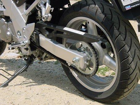 Suzuki, Motorcycle, Wheel, Chain, Powertrain, Frame