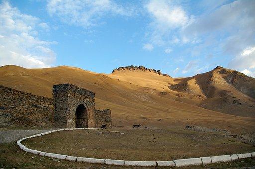 Kirghizia, Kyrgyzstan, Tash Rabat, Caravanserai, Hostel