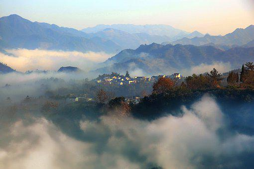 China, Anhui South, The Sea Of Clouds, Ancient Village