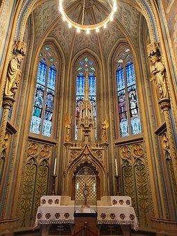 Mátyás Templom Inside, Mátyás Templom, Budapest