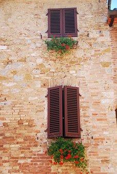Windows, Flowers, Bricks, Saint Gimignano, Tuscany