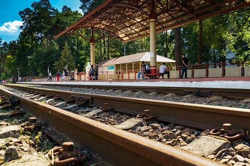 Narrow Gauge Railroad, Station, Platform, Traffic