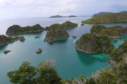 Cotage, Raja Ampat, Indonesian, Papuan, Piaynemo