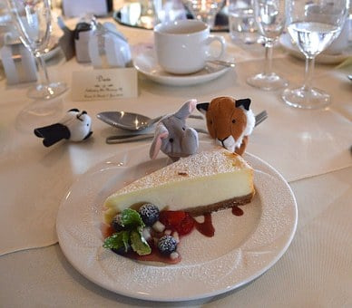 Wedding, Banquet, Cheesecake, Toys, Eating, Table