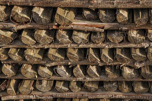 Regulation, Symmetry, Holzstapel