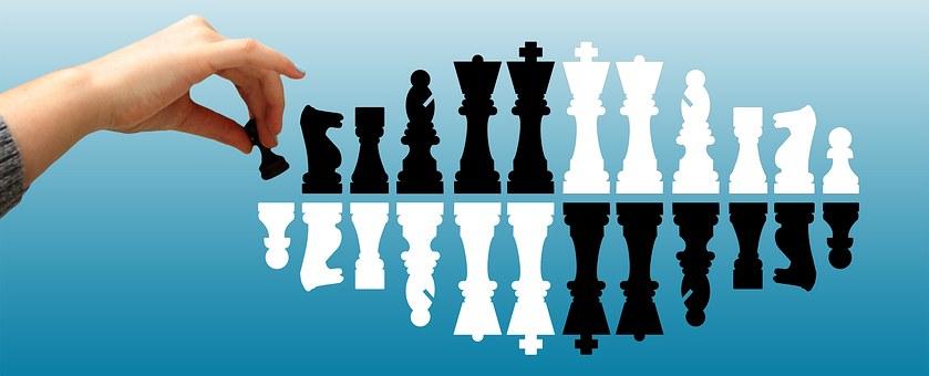 Chess, Bauer, Hand, Pawn Sacrifice, Handling, Proceed