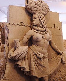 Sand Sculpture, Artwork, Mursi Woman, Young